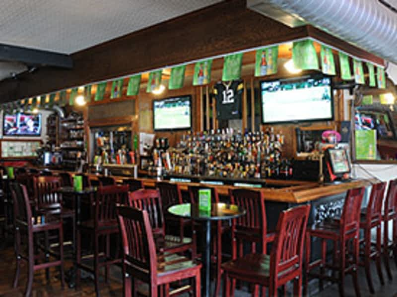 photo Toby's Pub and Eatery