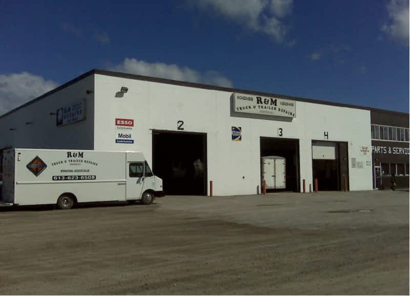 photo R & M Truck & Trailer Repair (Arnprior) Inc