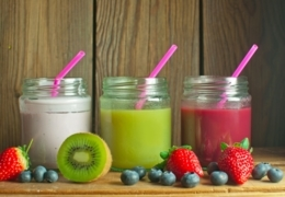 Healthy and sweet smoothie shops in Edmonton