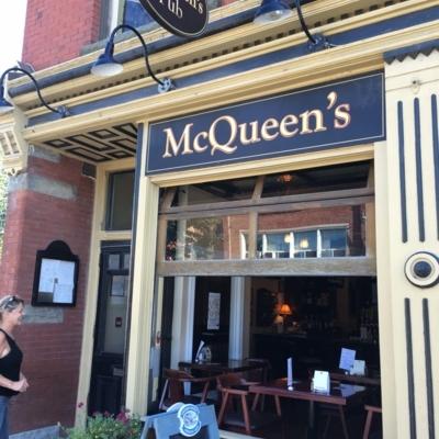Mcqueens Pub