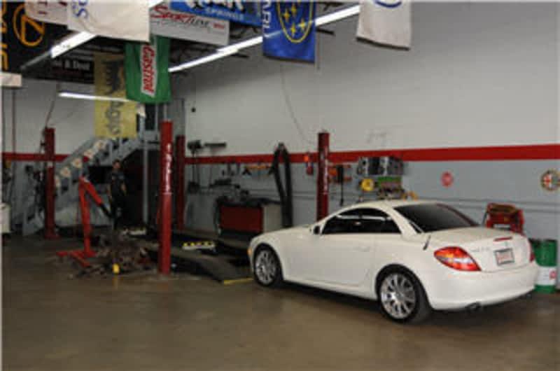 photo Monza Auto Parts & Detailing Ltd