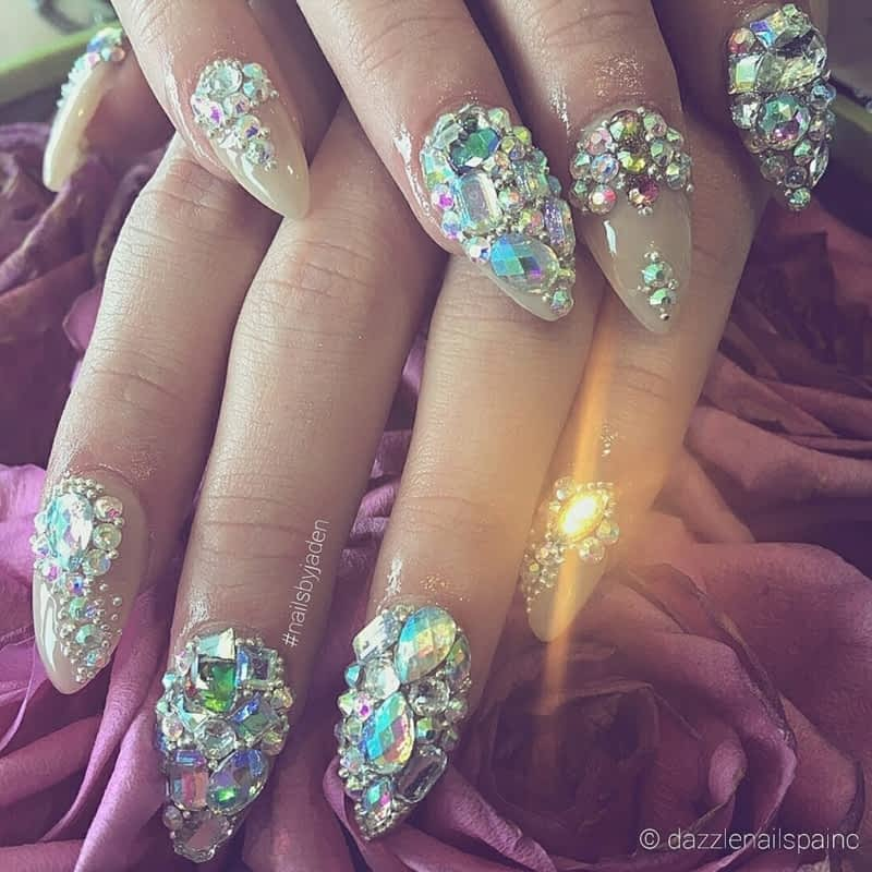 Dazzle Nail Spa - North York, ON - 1027-7 Finch Ave W