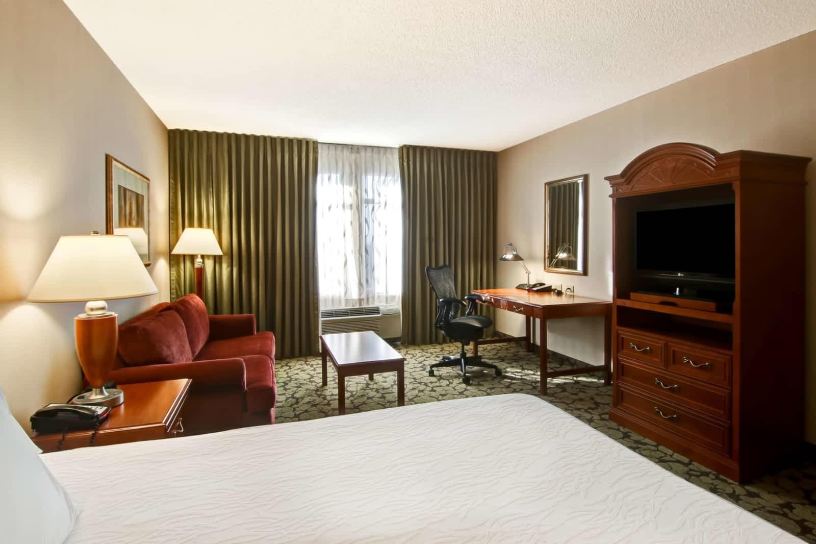 Hilton Garden Inn Toronto/Markham - Opening Hours - 300 Commerce ...