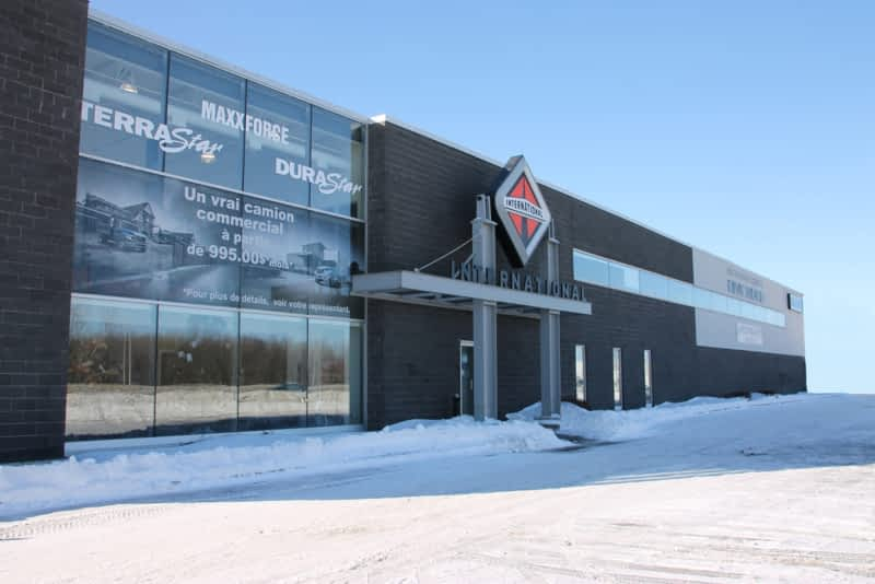 Camion international rive nord laval qc 2700 rue for Garage seat fontaine
