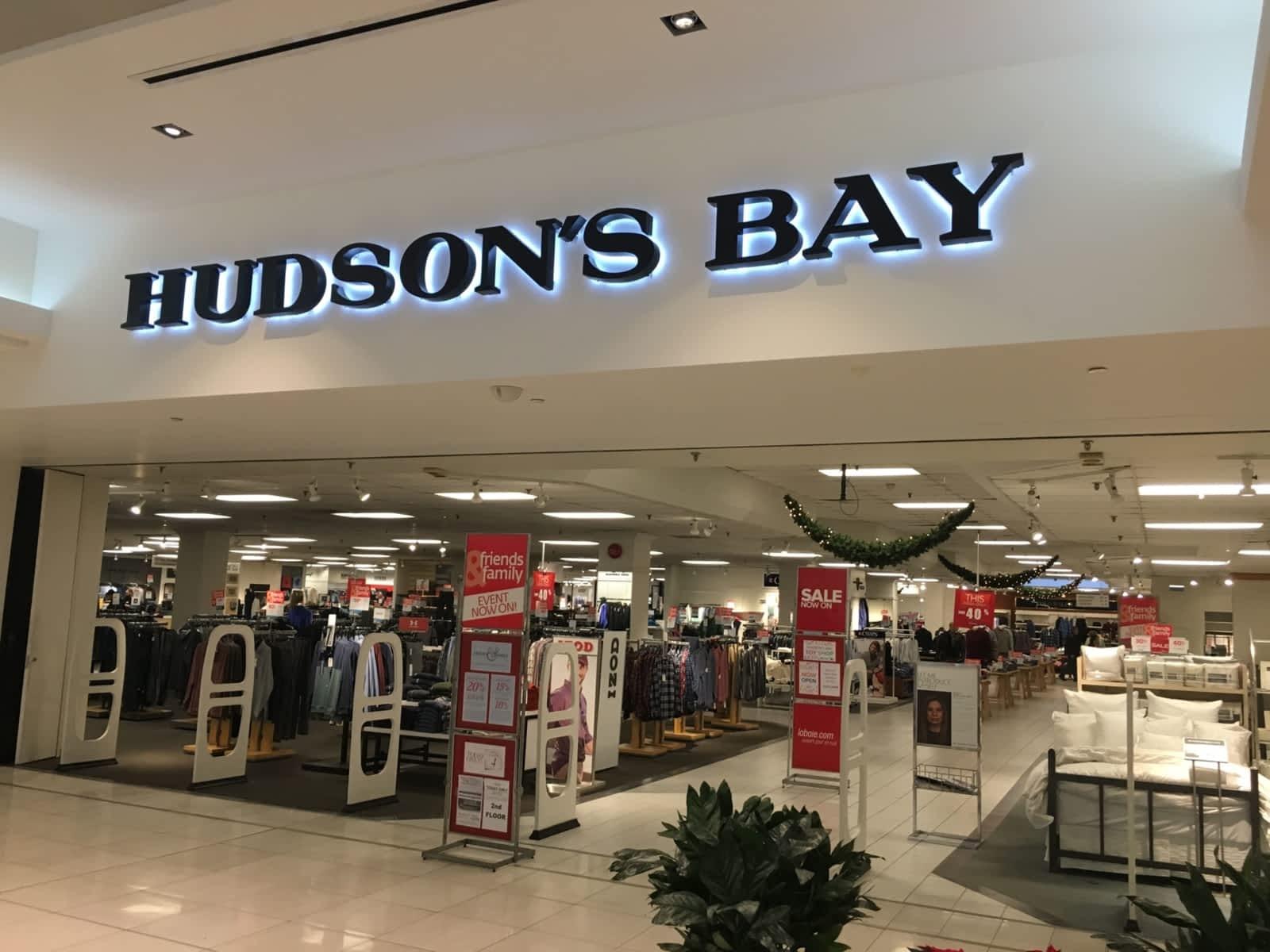 Hudson S Bay.Hudson S Bay 1200 St Laurent Blvd Ottawa On