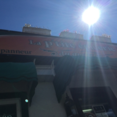Le Petit Café Du Cartier Delipanneur - Restaurants - 819-595-9589