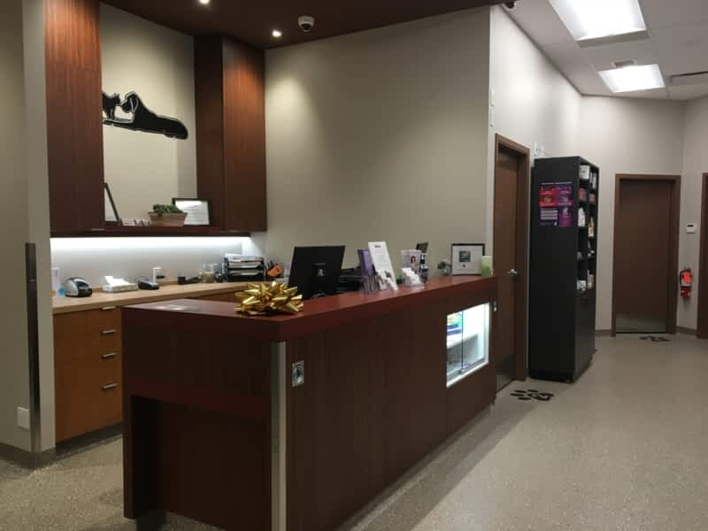 Edgemont Veterinary Clinic Inc Calgary Ab 105 8210