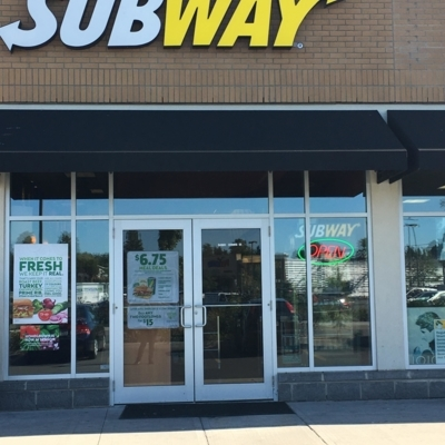 Subway - Sandwiches & Subs - 613-731-7311