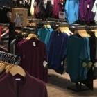 J76 Casual Wear - Magasins de vêtements de sport - 604-435-1868