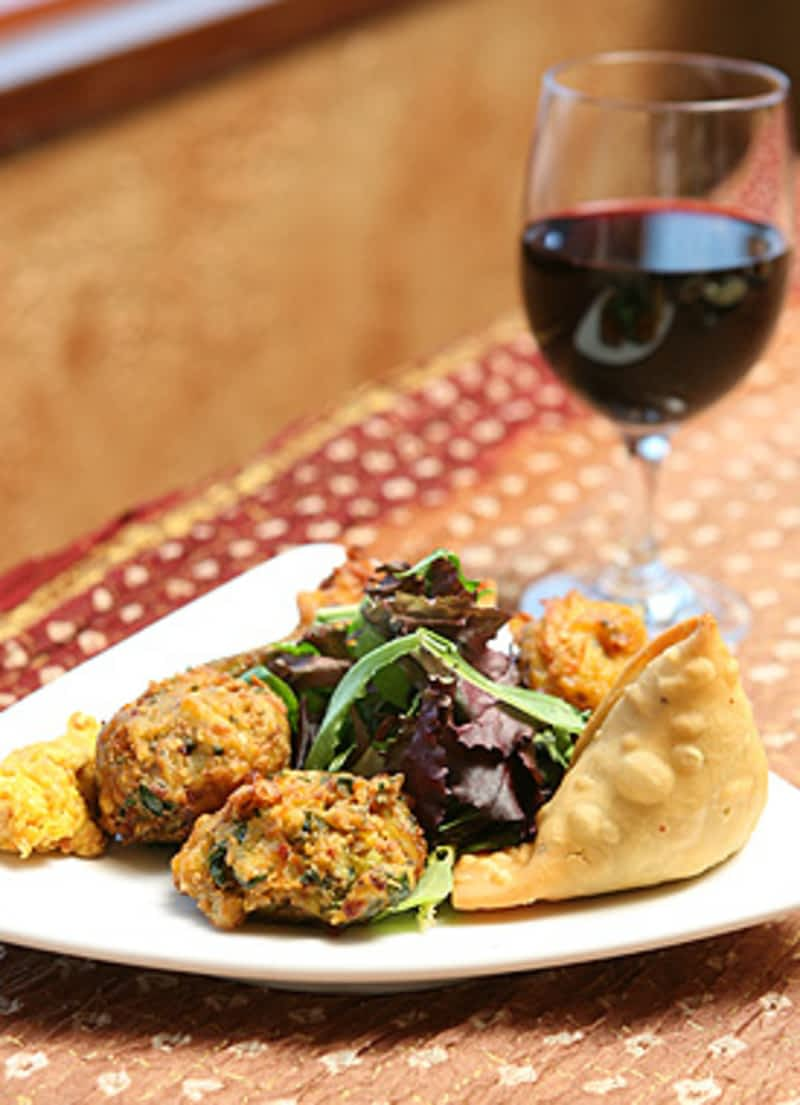 The host fine indian cuisine richmond hill on 670 for Aroma fine indian cuisine toronto on canada