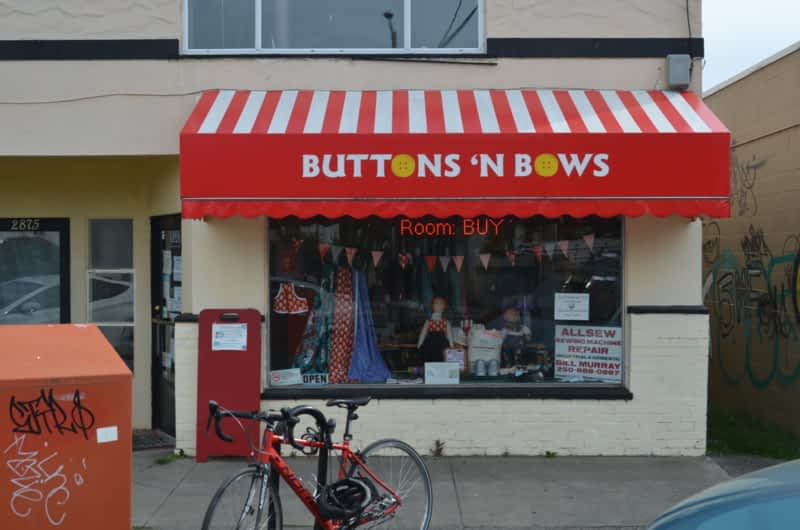 photo Buttons-N-Bows