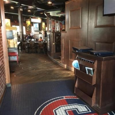 La Cage - Brasserie sportive - Restaurants américains - 450-656-4011