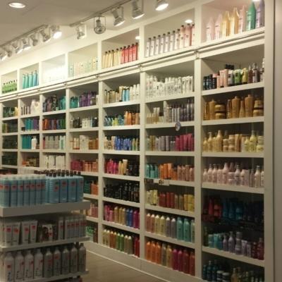 Coiffure Max & Co. - Salons de coiffure et de beauté - 514-844-6444