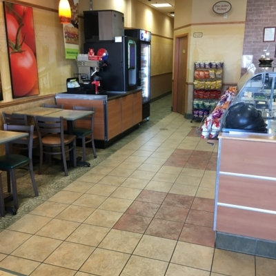 Subway - Sandwiches & Subs - 204-831-7697