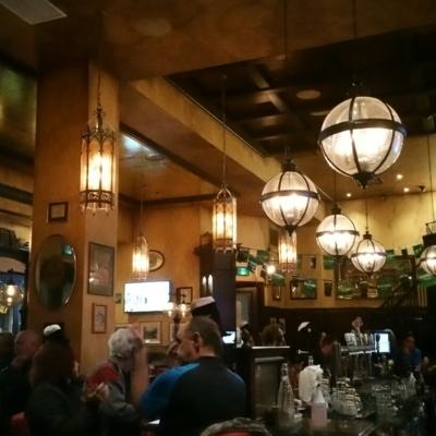 Dublin Crossing Pub - Restaurants - 604-428-8577