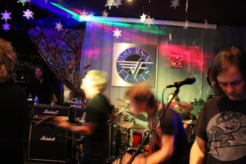 photo Drums N Flats Wings Beer Rock N Roll