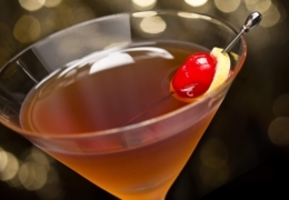 Sip on Manhattans at these Toronto cocktail bars