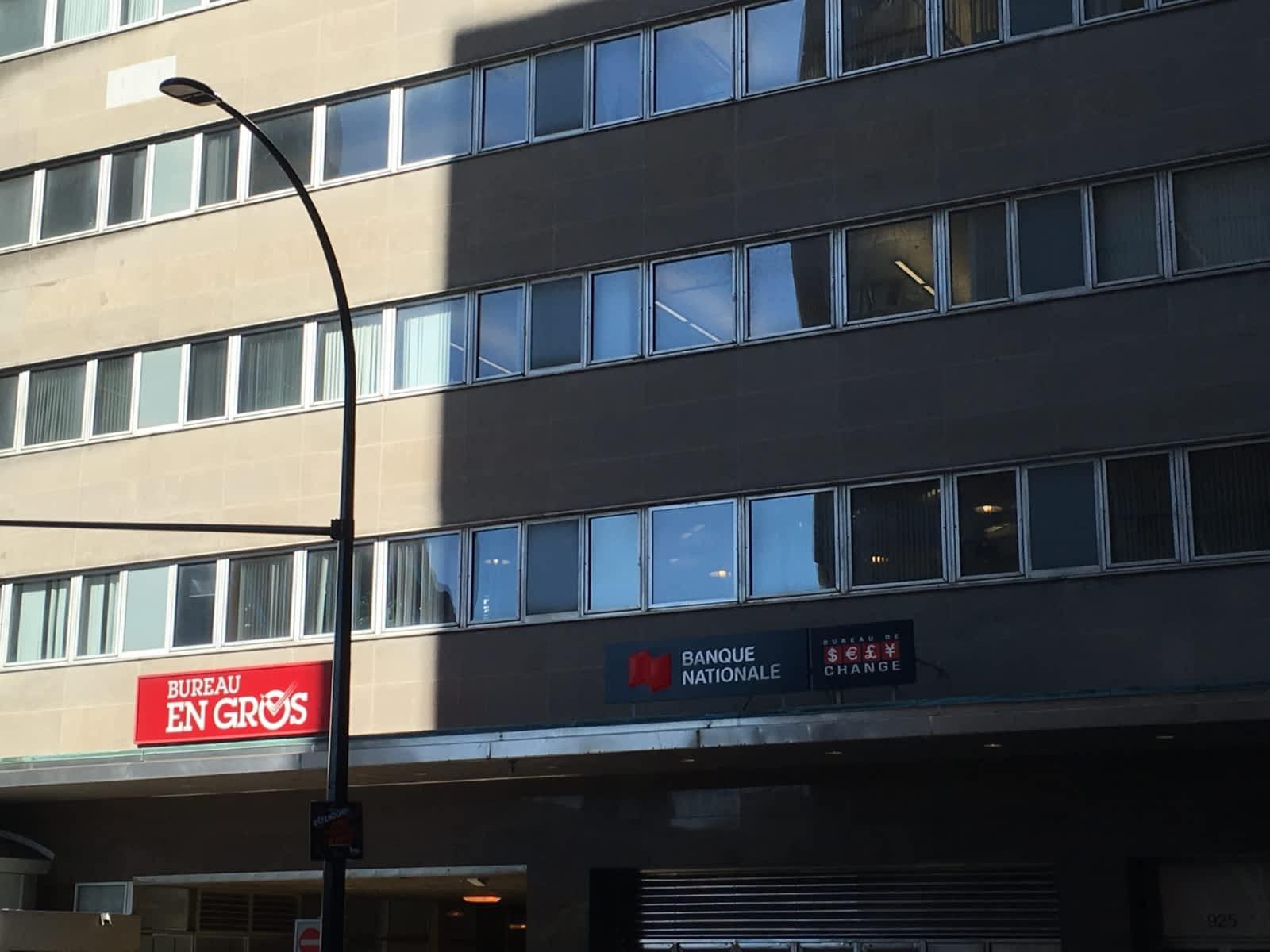 Centre laval shopping laval entertainment québecoriginal