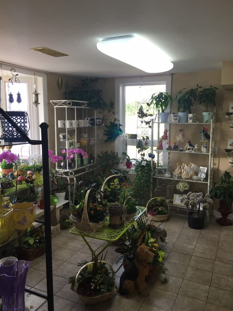 photo Thimbleberry Lane Flowers & Gifts