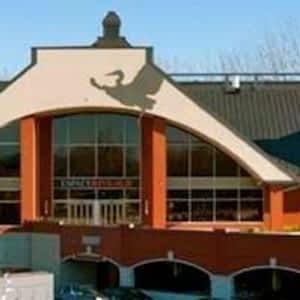 Golf La Prairie >> Plaza Rive Sud Hours Reservation 500 Av Du Golf La