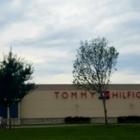 Tommy Hilfiger - Magasins de vêtements - 450-689-0039
