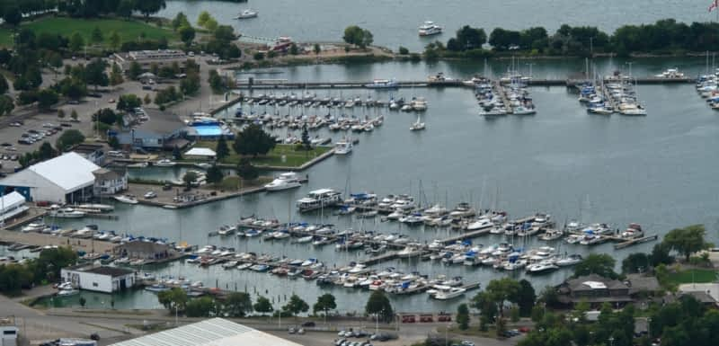 photo Harbour West Marina