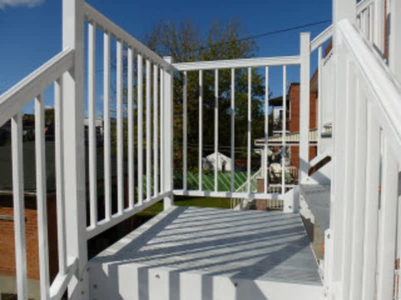 Solution aluminium blainville qc 103 301 rue omer for Stair and railing solution