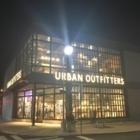 Urban Outfitters - Magasins de vêtements - 450-656-1197