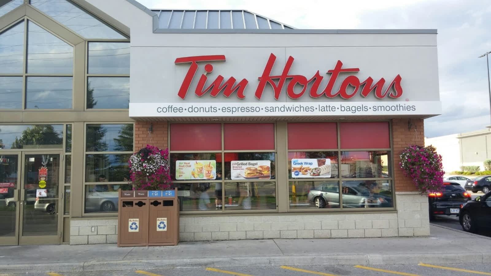 Tim hortons menu hours prices 1361 harmony rd north for 100 taunton terrace oshawa