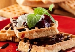 Best restaurants for waffles in Toronto