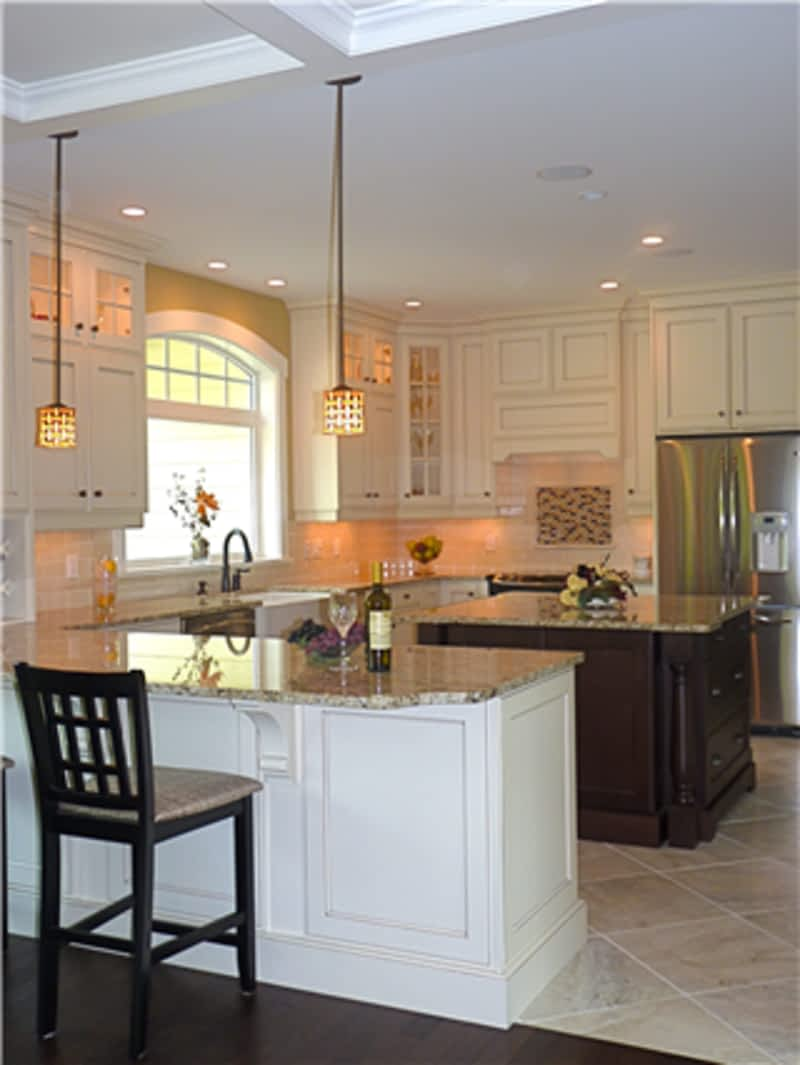 Classic kitchens parksville bc 164 island hwy w for Classic kitchen cabinets toronto