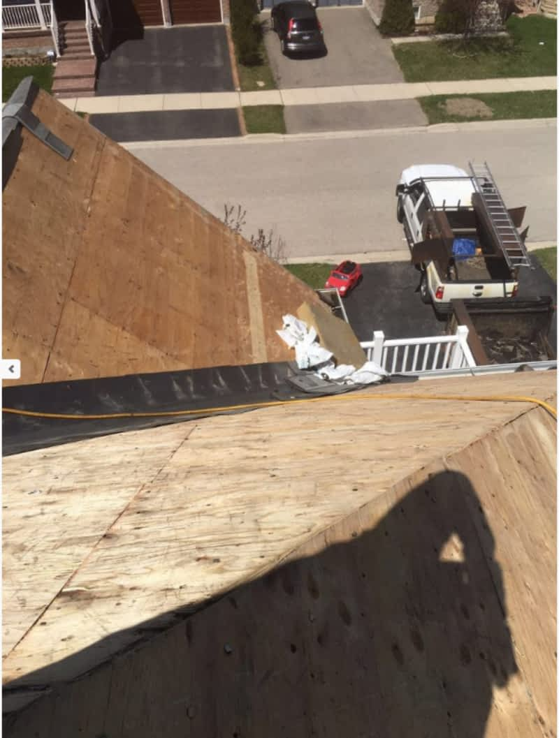 photo KYX Professional Roofing Company