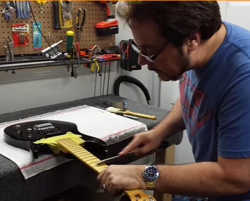 photo L'as des Ajustements de Guitares Yves Landry