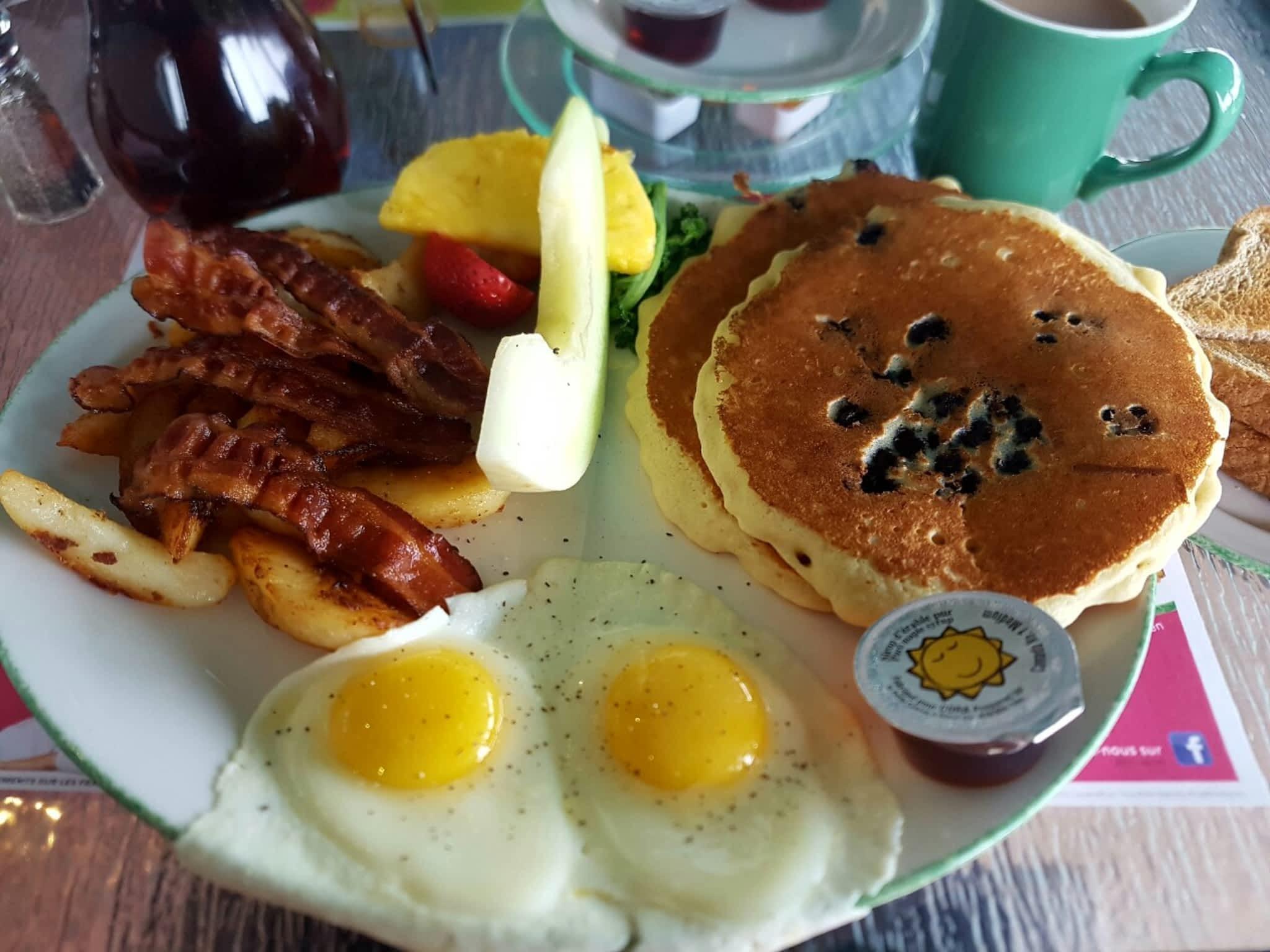 photo Cora Breakfast & Lunch