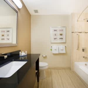 5425be27f9 Courtyard by Marriott Montreal Downtown - Opening Hours - 380 Rene ...