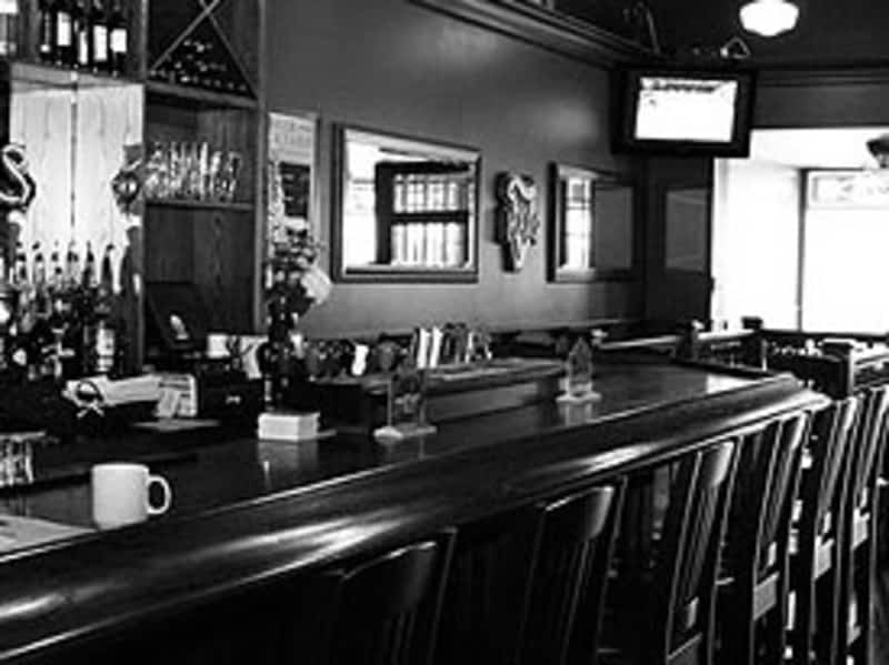 Donaleighs Irish Pub Inc Barrie On 28 Dunlop St E