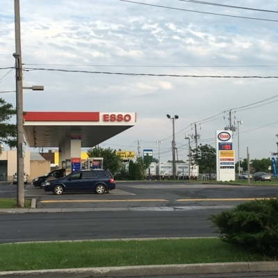 Couche-Tard - Gas Stations - 450-462-2044