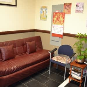 Lily Massage Clinic - Opening Hours - 202-385 Silver Star