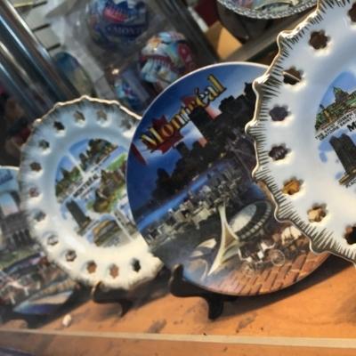 Bastix Souvenir - Gift Shops - 514-845-2712