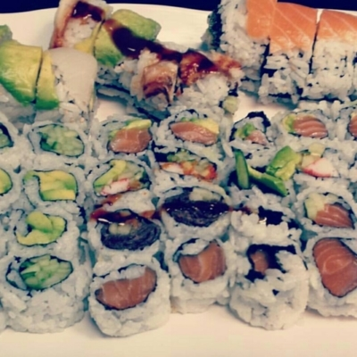 Sushi Saint Jean - Sushi & Japanese Restaurants - 514-697-8383