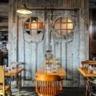Plank Restobar - Restaurants