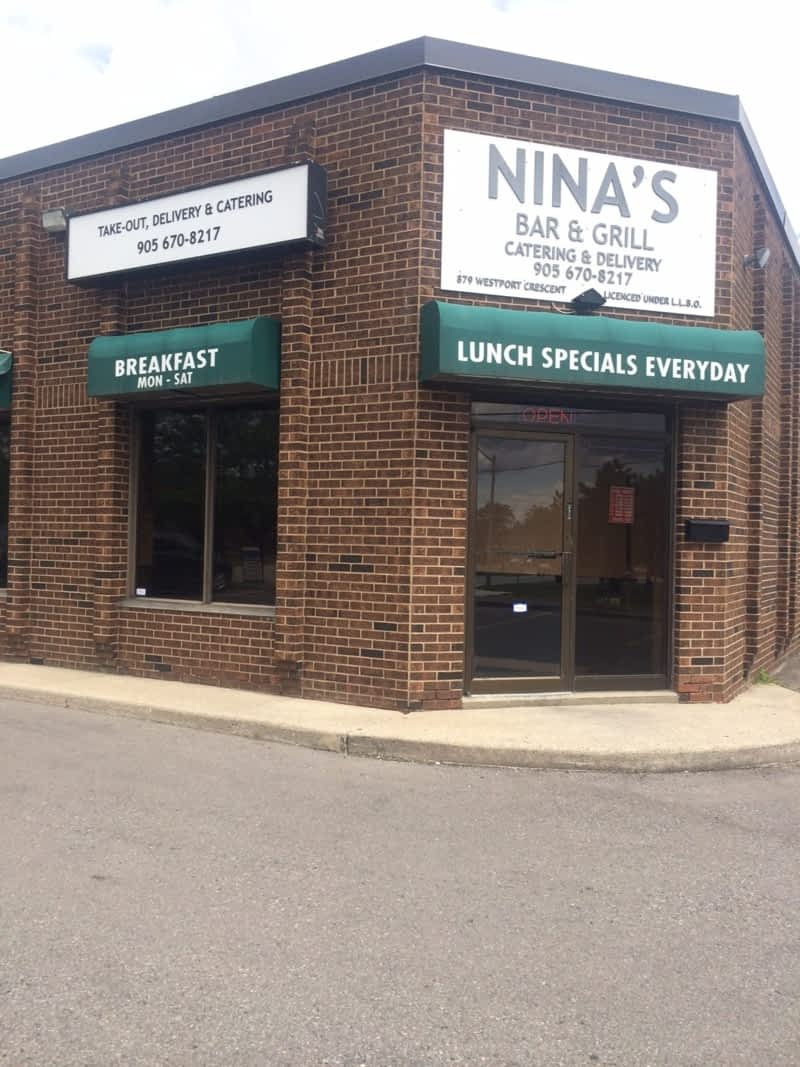 photo Nina's Bar & Grill