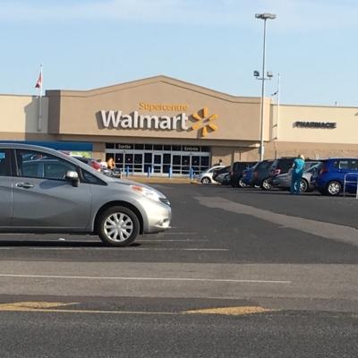 Walmart Supercentre - Department Stores - 450-435-2982
