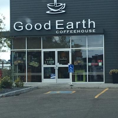 Good Earth Coffeehouse & Bakery - Cafés - 403-948-3100