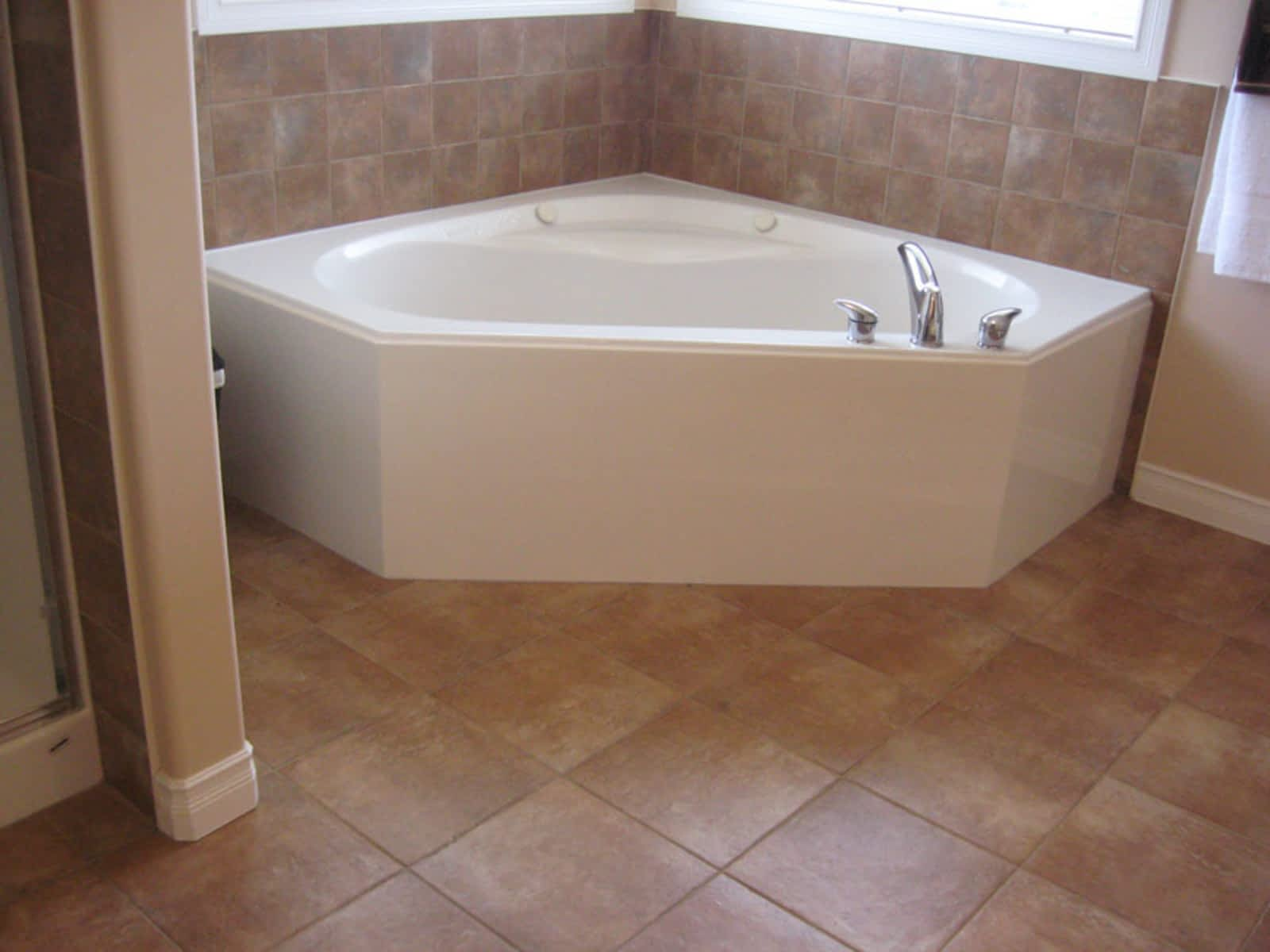 European Tile & Stone Installations Inc - Opening Hours - 29-3015 51 ...