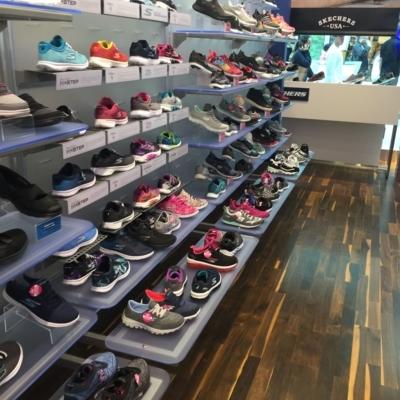 Skechers - Shoe Stores - 514-428-0022