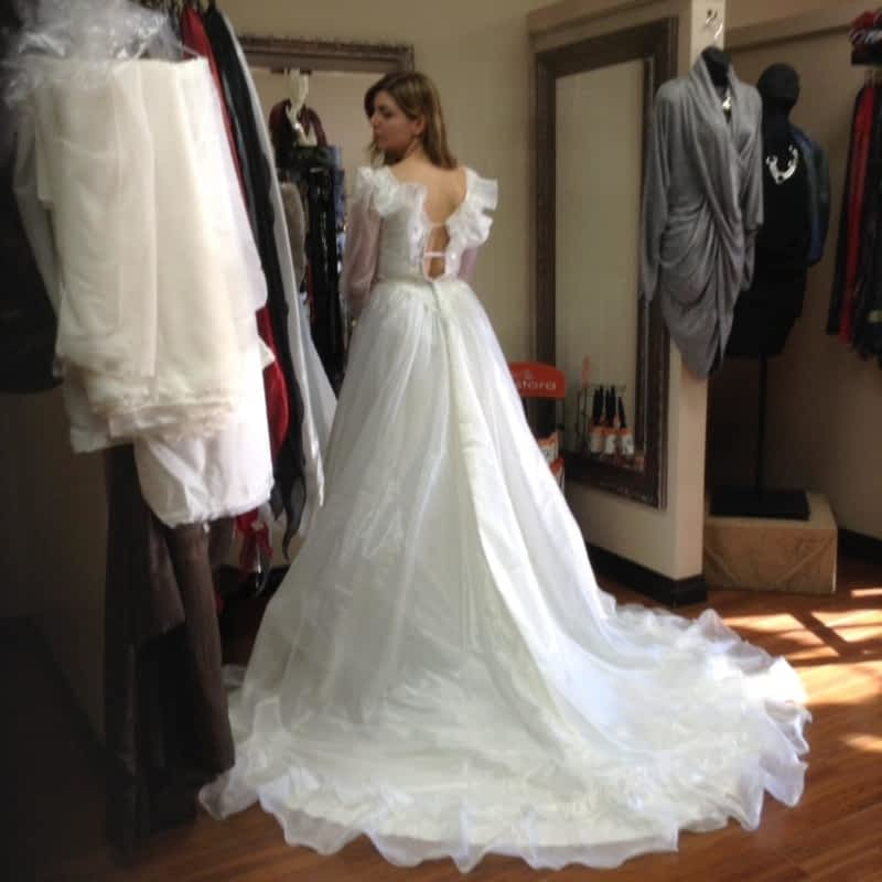 photo Gifty's Custom Tailor - Alterations & Dry Cleaning