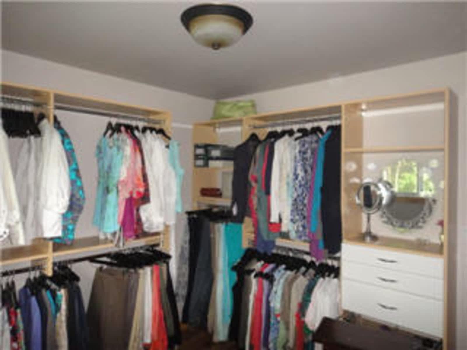 Closet Works By Design Inc   Opening Hours   1079D Wellington Ave,  Winnipeg, MB