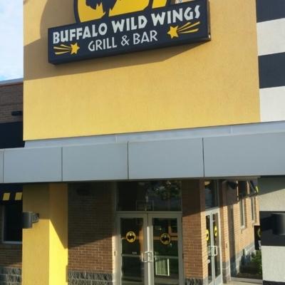 Buffalo Wild Wings - American Restaurants - 905-725-8447