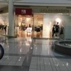 BCBG Max Azria Canada Inc - Magasins de vêtements pour femmes - 604-638-5758